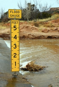 stock-photo-45751246-depth-marker-flood-gauge-in-feet